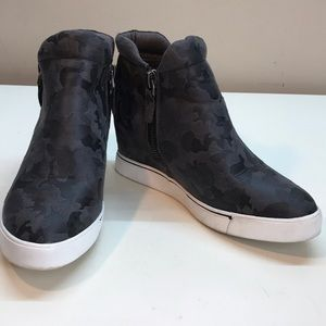 Sugar Gray Camouflage Design Wedge Sneakers